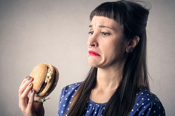 嗜吃高脂食物罹患憂鬱及焦慮風險提高!