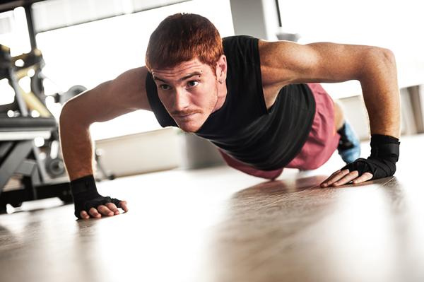 男生伏地挺身每次撐不到10下,心臟病風險暴增96%!