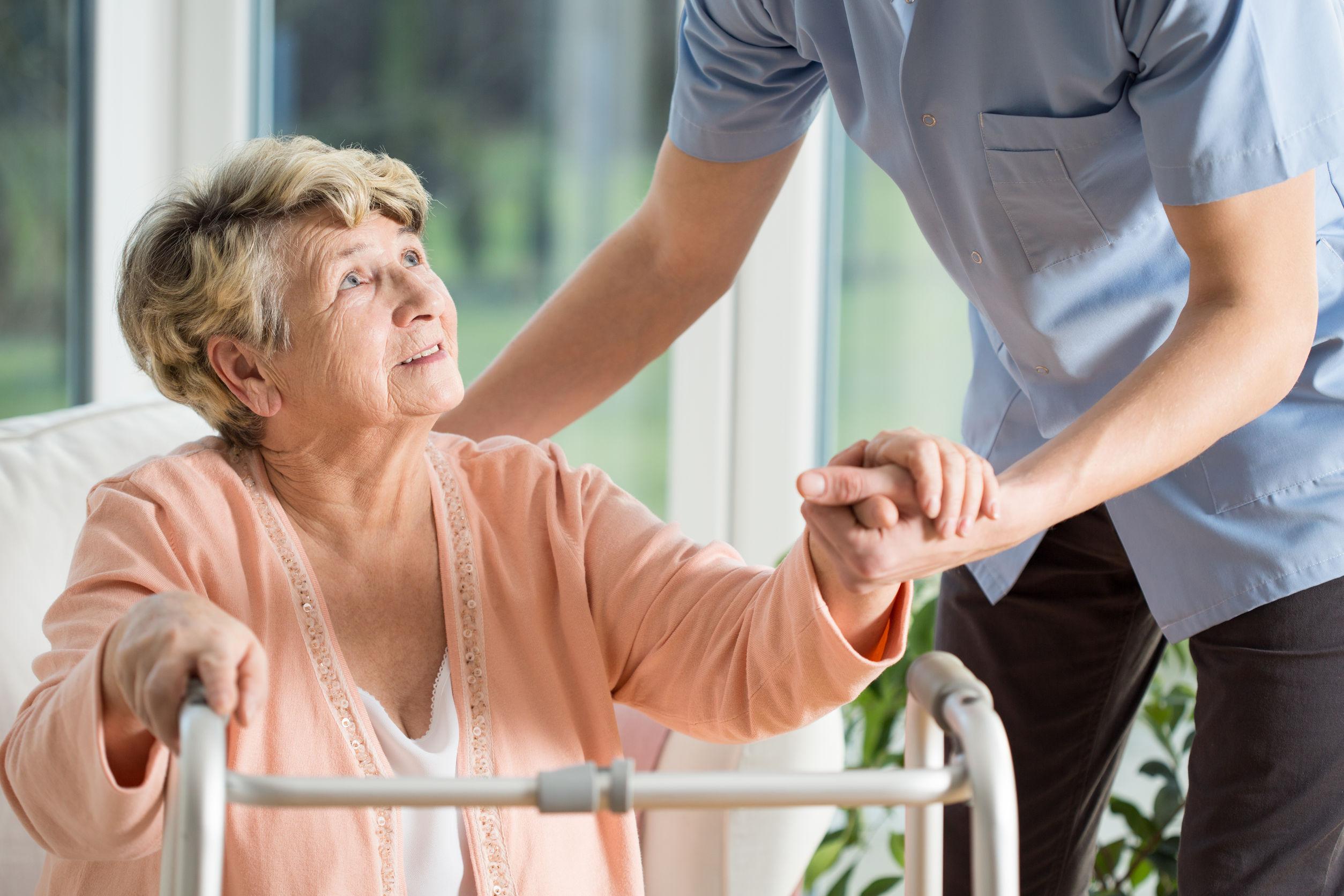 年長婦女坐越久 老越快