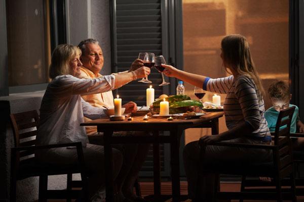 很晚才吃晚餐?罹患乳癌和攝護腺癌的機率會較高
